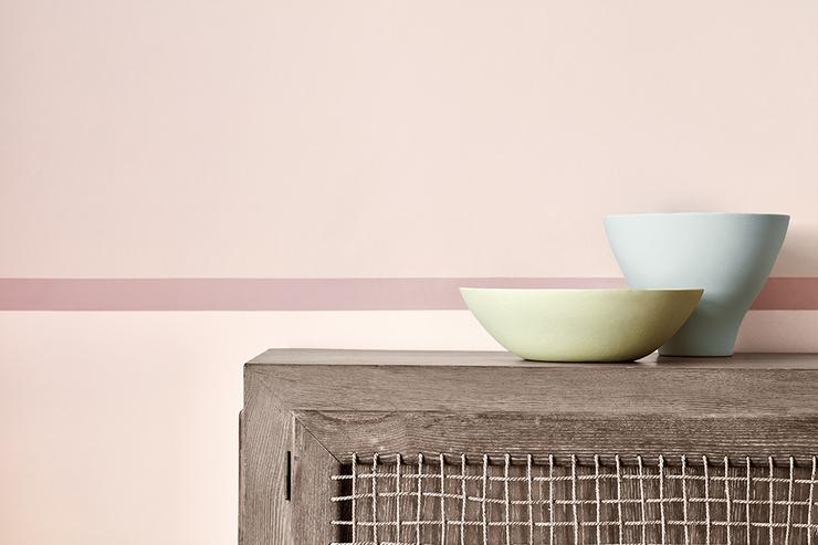 dorchester-pink-stripe-room-detail