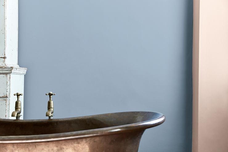 grey-stone-bathroom-detail